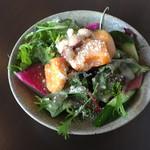 45593359 - モリモリのサラダ…食べ応えあります!                       柿がアクセントになってとっても美味しいです(*´ο`*)