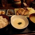 七味や - 麦とろ豚ロース生姜焼き定食