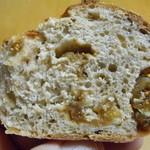 TUMUGI BAKERY - 天然酵母ライ麦パン(白いちじく)断面