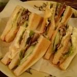 IGGY - 舞茸と生ハム・チーズのIGGYサンド