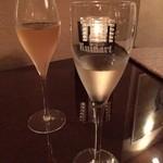 45598569 - champagne飲み比べ