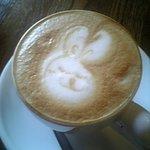 456045 - ウサギが書かれたカプチーノ