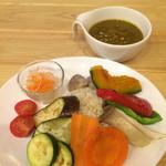 薬膳 LactoCafe(ラクトカフェ) - 有機野菜たっぷり薬膳カレー