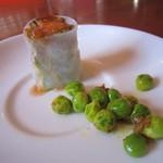 ディープティ - 前菜は、生春巻き&グリンピースのマサラ和え。