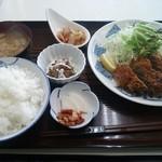 ラーメン亭 - メンチカツ定食