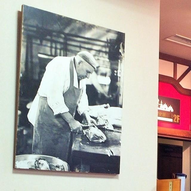 レイモンハウス 元町店 - 店内のカールレーモンさんの写真