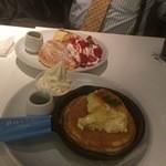 バター - おっちゃん2人組でパンケーキは浮きますね(笑)
