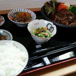 ちゆき庵 - 料理写真:日替り定食(煮込みハンバーグ)
