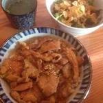 串粋 - カレー鶏丼、ランチサラダ