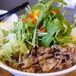 蕎麦DAYS - 冷つけ肉ベジ、お肉の見える角度から