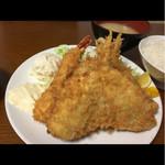 幸 - B定食( ´艸`)