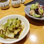鍋vou家 - レタスの塩昆布漬とタコのマリネ