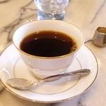 カトレア - おいしいストレートコーヒー500円。キリマンジェロを注文しました。