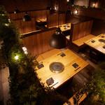焼NIQ - 最大36名様まで団体様もご利用可能なテーブル席