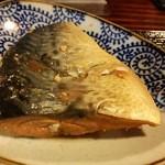 居酒屋 まる甚 - 魚の煮付け