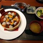 45634294 - 贅沢海宝丼(1680円)です