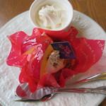 森のお菓子工房 木いちご - りんごのケーキ?+ソフト