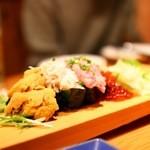 深川ふぁみりー酒場 なんでや - こぼれ寿司