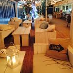 ザ ビーチ ゴーゴー - 夜のカフェ