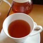 ビーンズ カフェ - セットの紅茶