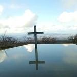Risutorantetenkuu - 水面に映る十字架と空