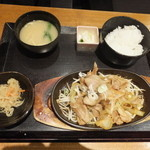 旬彩庵 - 生姜焼き定食