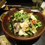 品川ろくよん - 野菜と蒸し地鶏サラダ