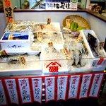 阿波水産 - 新鮮な魚達がお出迎え