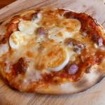 プリモピアット - 岩手豚の粗挽きウインナーとキノコとトウモロコシのピザ