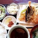 味亭花の家 - 料理写真:天婦羅定食 900円+税