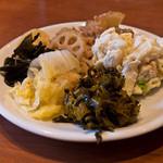 きんのつる - バイキングのお惣菜