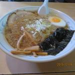 45656902 - 「おすすめ 売れ筋 ラーメン(並み)(麺の硬さ 普通) 690円」