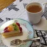 Ryo - 知人のカフェで購入した珈琲と共に^▽^