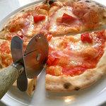 4566576 - ランチのピザ(切り風景)
