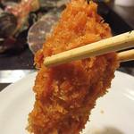 かき小屋 - 大きな牡蠣フライを食しながら牡蠣が蒸し上がるのを待つ!
