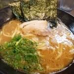 博多無邪気 - ラーメン(並) 630円☆ 海苔・チャーシュー・ネギ入ってます!