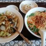 中国菜園味味 - ランチセット(豚骨台湾ラーメン+回鍋飯)