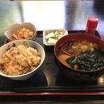 前沢温泉 舞鶴の湯 食堂 - 炊き込みご飯セット ¥550 炊き込みご飯美味しい!