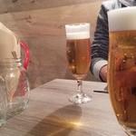 サニーサイドアップ - ハンバーガーは、18時までドリンクセット☆お得  生ビールもプラス400円☆