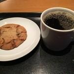 スターバックス・コーヒー - チョコチャンククッキー、ドリップコーヒー