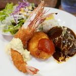 街の洋食屋 AKIRA - Aランチ(1500円)ハンバーグ、海老フライ、クリームコロッケ