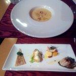 リオス ボングスタイオ - 玉ねぎのズッパ(上)、前菜4種盛り(下)