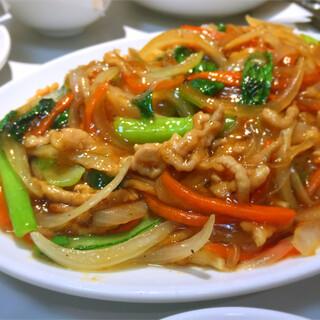 梅華 - 豚と細切り野菜の焼きそば