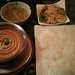 Tara - 料理写真:1種類のカレーセット〈マトンカレー、ナンかライス、サラダ、スープ)税込1,080円 かための美味しい白米、甘めのドレッシングのサラダ、アッサリスープ