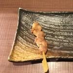 仲町ガバチョ - 鶏皮、150円です。