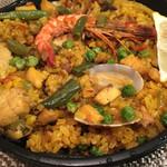 ラ コシーナ - パエリア。海鮮香り豊かで美味。