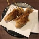 仲町ガバチョ - 牡蠣フライ2点、240円です。