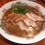 オカヤ食堂 - 濃厚魚介醤油ラーメンです。