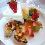 リロンデル - 料理写真:Sweets3種盛り合わせ*ドリンクつき(1000円)