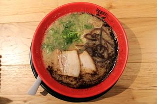 博多新風ラーメン食堂 - 新風麺(黒)(780円、真上から)